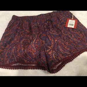 Paisley pull on shorts